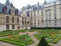 Cabinet Celestins Hotel de Sens Paris